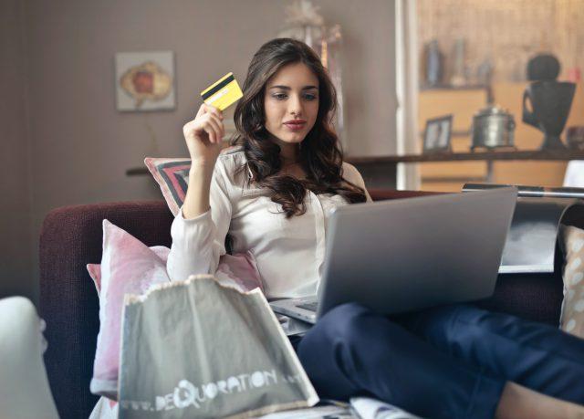 Zarabianie na kontach bankowych – czy się opłaca?