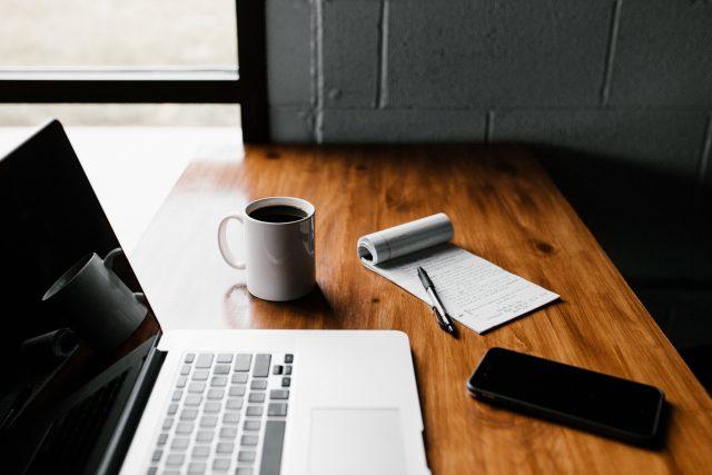 Jak rozpocząć własny biznes w sieci?