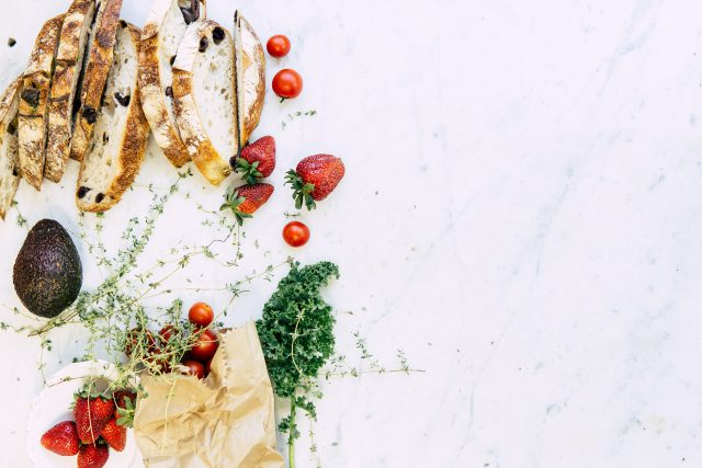Jak zaoszczędzić na jedzeniu – porady